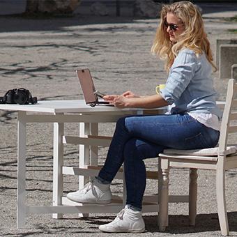 ninafabienne scholz: digital content producerin, redakteurin, moderatorin